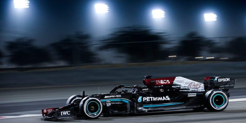 """Mercedes: Žádné okamžité řešení pro """"slabou"""" zadní část W12"""