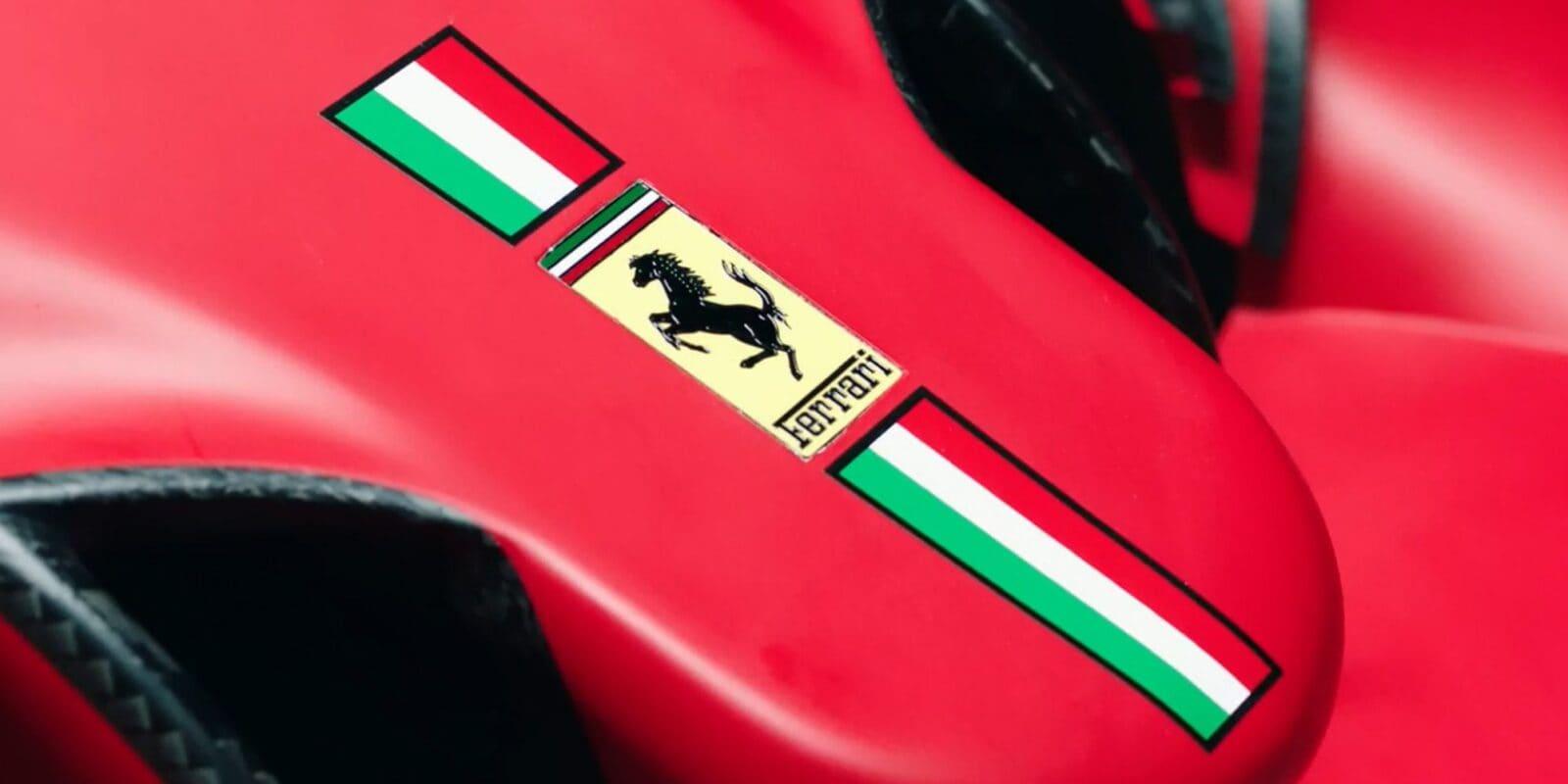 Poslední monopost odhalen, Ferrari představilo SF21
