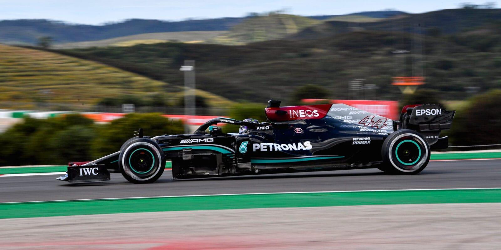 Druhý trénink v Portimãu ovládl Lewis Hamilton