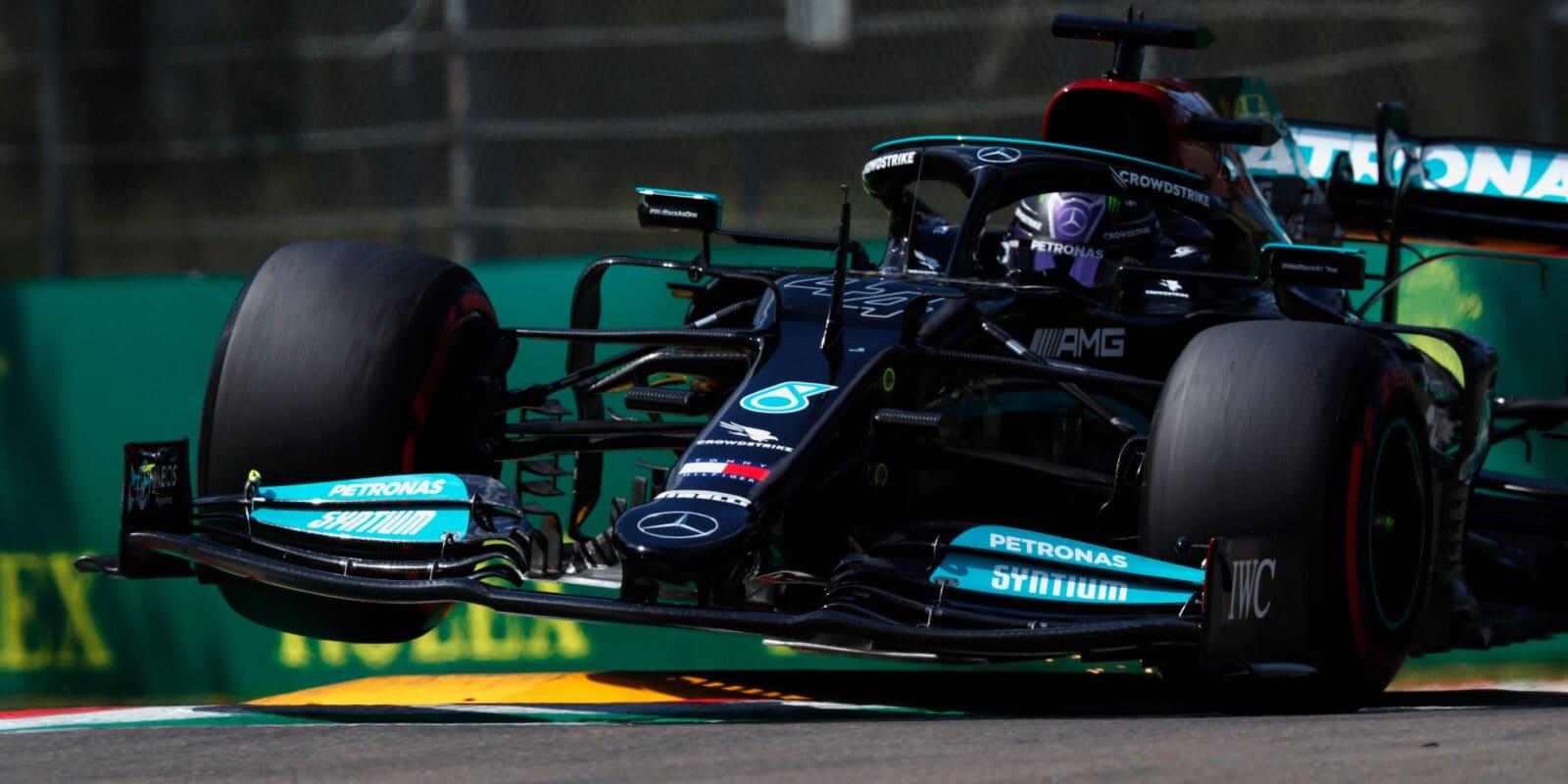 Kvalifikaci na VC Emilia-Romagna ovládl Lewis Hamilton
