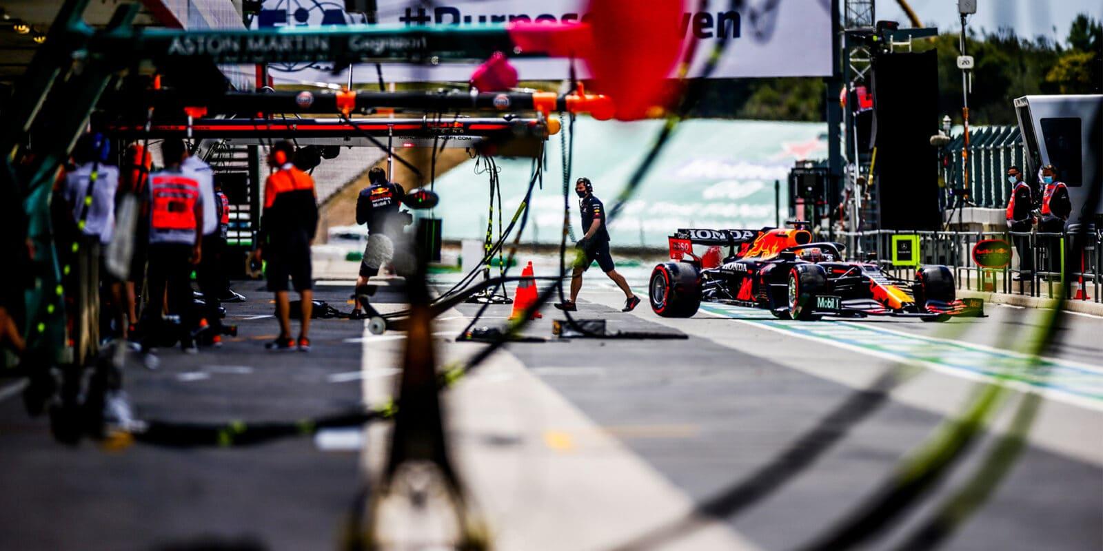 V sobotním tréninku na čele Max Verstappen