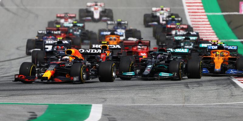 Verstappen rozdrtil konkurenci na domácím Red Bull Ringu