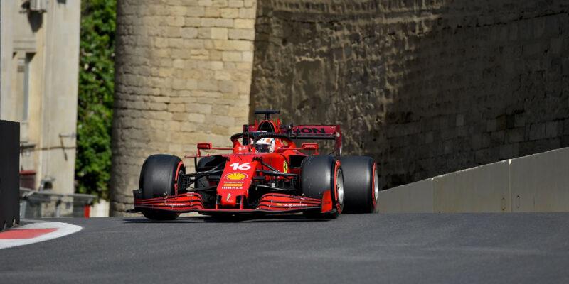 Leclerc získal pole position v hektické kvalifikaci