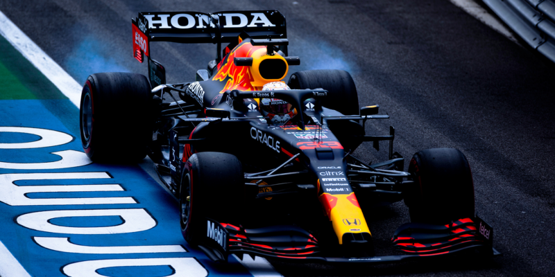 Poslední trénink ve Francii: Suverénní Verstappen, Hamilton až pátý