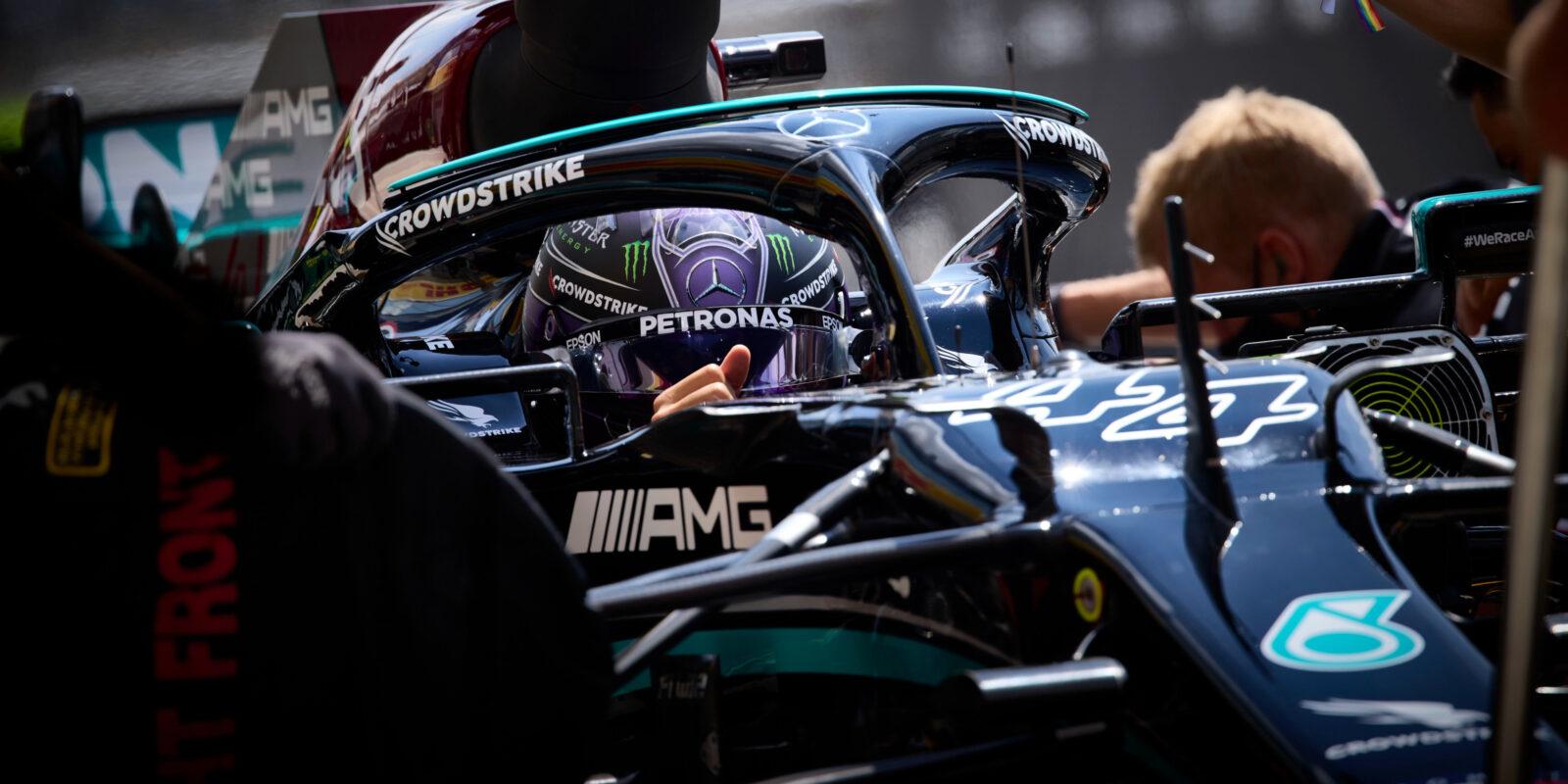 Kvalifikaci v Maďarsku ovládl Hamilton, Sainz havaroval