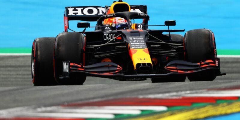 Třetí trénink proběhl jasně ve znamení Verstappena