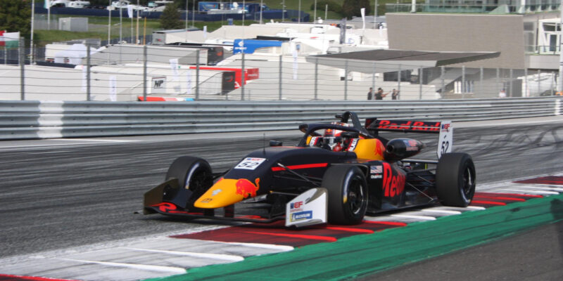 Jak Crowford kraloval European Formuli Open na Red Bull Ringu