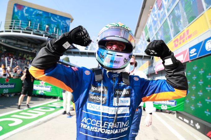 Ricciardo v slzách: Tak emotivní jsem po vítězství ještě nikdy nebyl