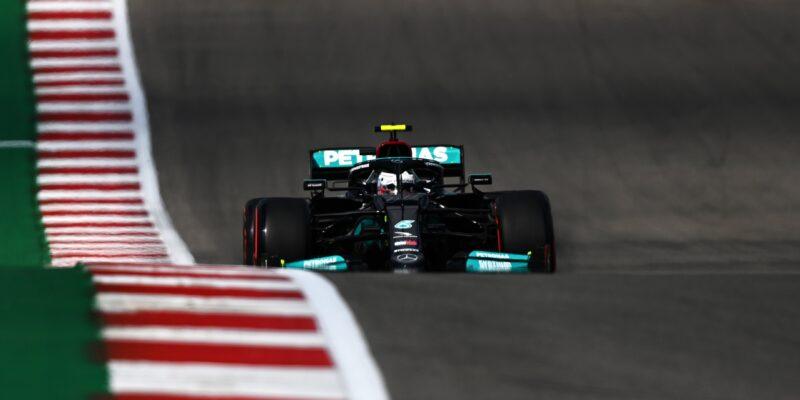 FP1 v USA: Nejrychlejší Mercedes, Alonso nedokončil