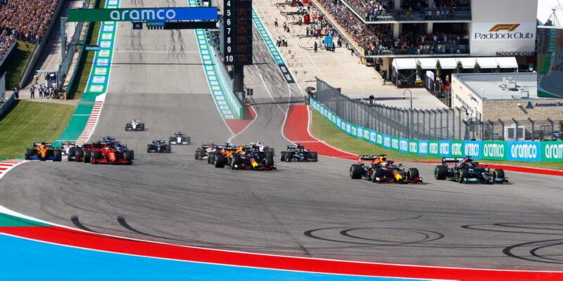 Strategickou bitvu v Texasu vyhrál Max Verstappen