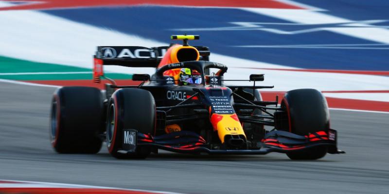 FP3 v USA: Nejrychlejší Pérez, za ním Sainz