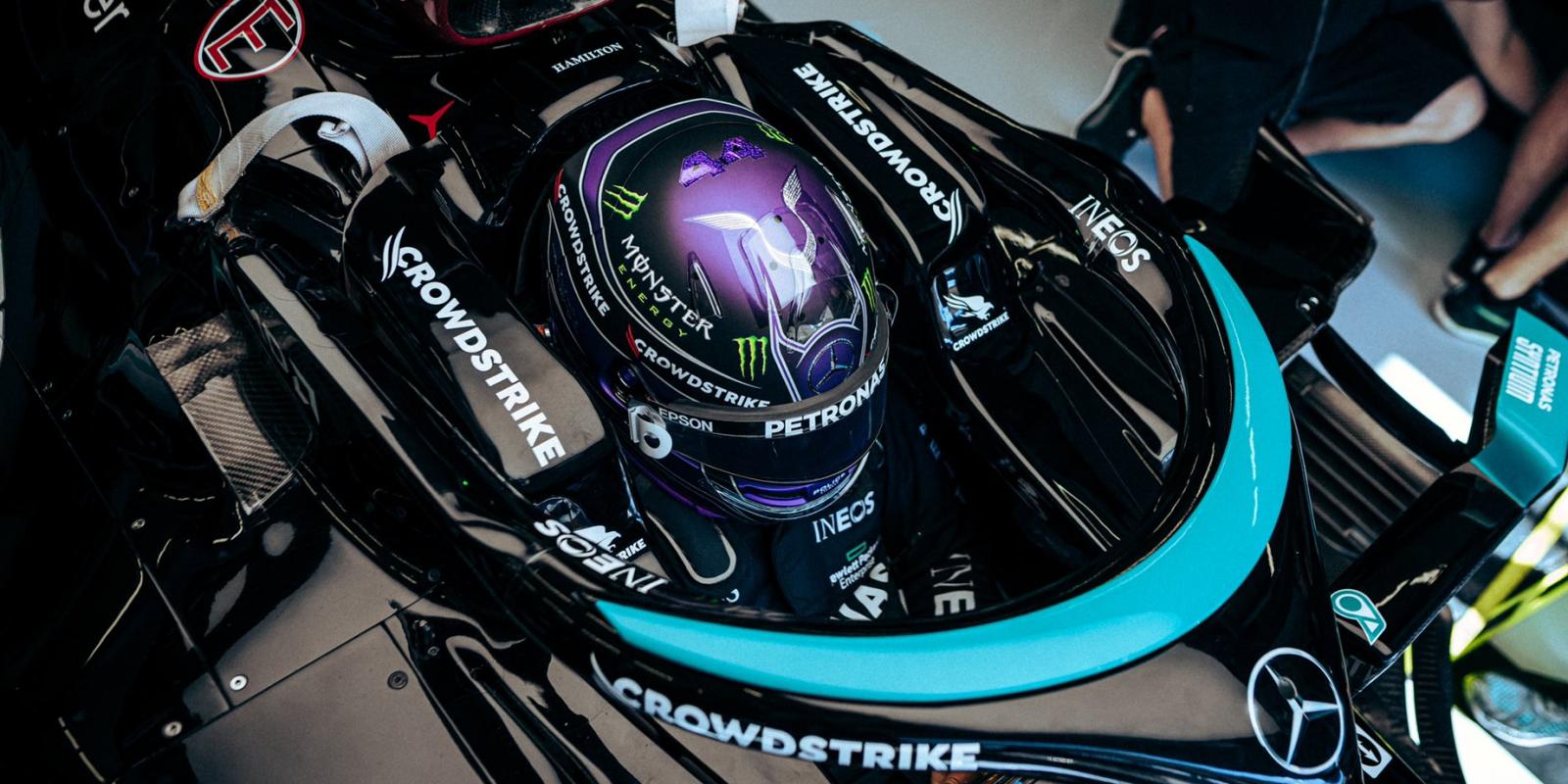 FP1 v Turecku: Nejrychlejší Hamilton, Verstappen za ním