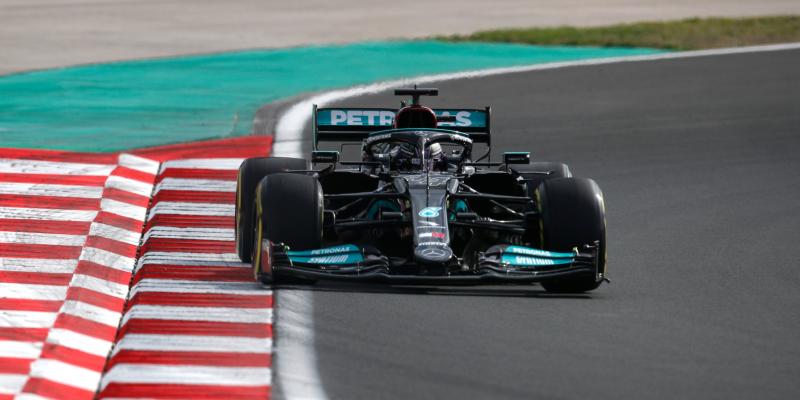 FP2 v Turecku: Nejrychlejší opět Hamilton, Leclerc těsně za ním